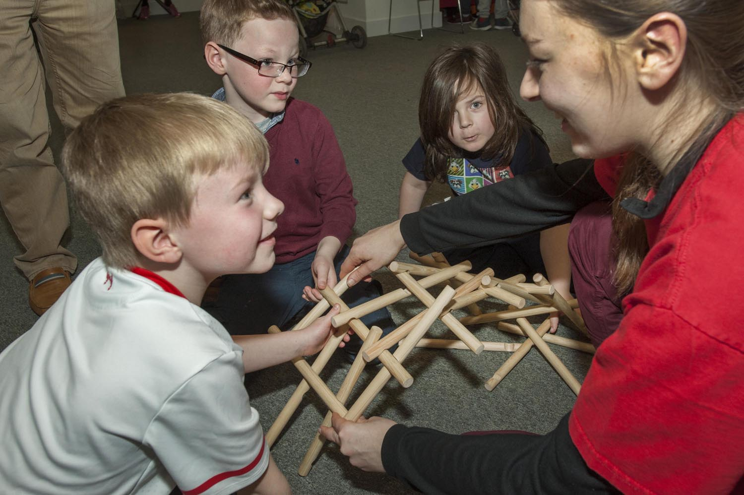 Building a bridge with wooden poles